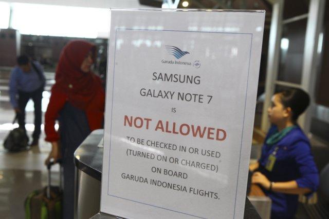 Samsung regala 200 Galaxy Note 8 en un vuelo de Iberia 2